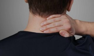 Top 3 Daily Stretches to Get Rid of Neck Hump